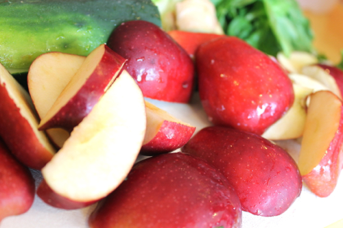 Easy-veggie-juices-you-can-make-at-home-with-apples