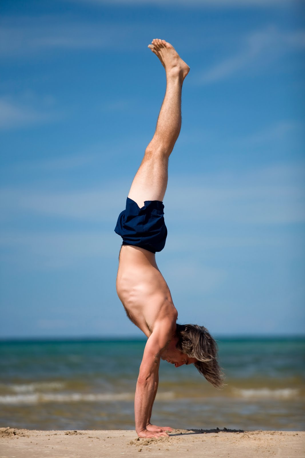 handstand-hot