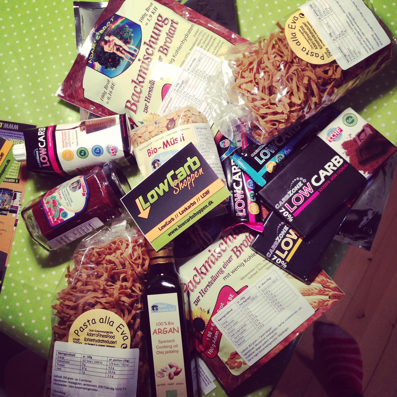 Alle disse lækkerier var jeg så heldig at få fra Lowcarbshoppen - er allerede i fuld gang med at test-smage :)