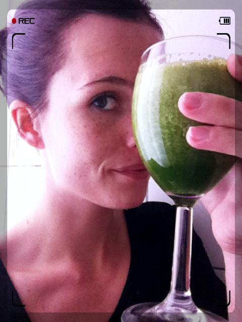 Helsedruk. Har fået drukket et hav af grønne smoothies og juice i den forgangne uge - periodisk faste på programmet ændrede mit spisemønster og mine spisevaner en del!